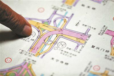 收藏3000余幅地图  七旬老人图解京城40年变迁_地图历史_勘测联合网